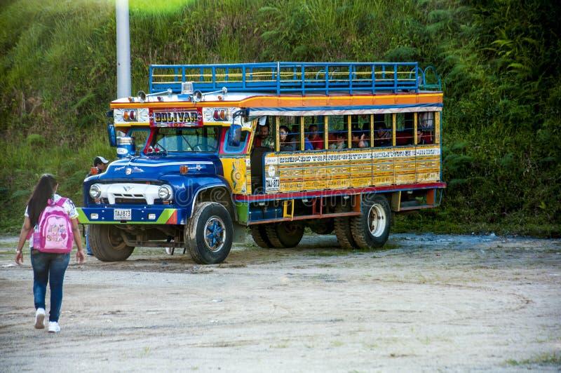 Autobus coloré de Chiva photo stock