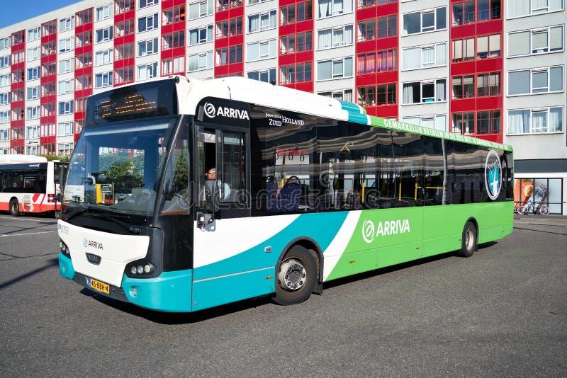 Autobus d'Arriva VDL Citea à Leyde, Pays-Bas photographie stock libre de droits