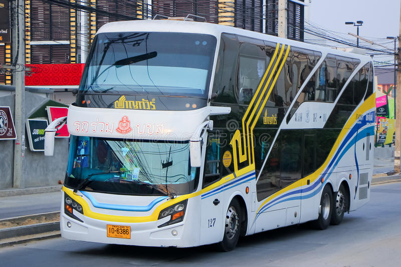 Autobus de société de visite de Chan aucun 18-11 itinéraire Bangkok et Chiangmai photographie stock libre de droits
