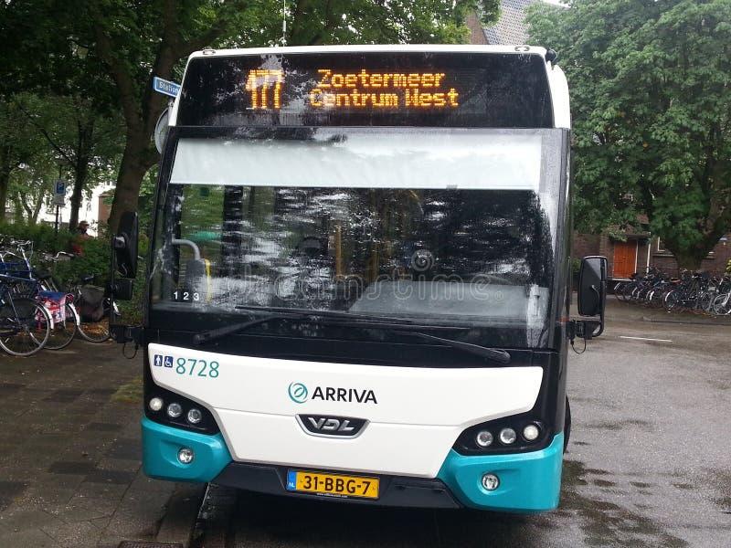 Autobus 177 od Gouda Zoetermeer przy Gouda centrali stacją gotową dla odjazdu ja zdjęcie royalty free