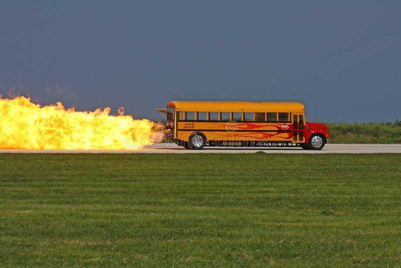 Autobus scolaire d'avion à réaction images stock