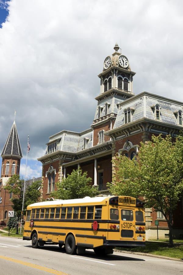 Autobus scolaire dans Medina photo libre de droits