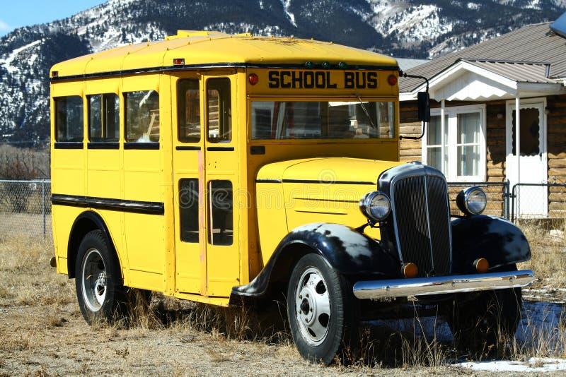 Autobus scolaire de cru photos libres de droits
