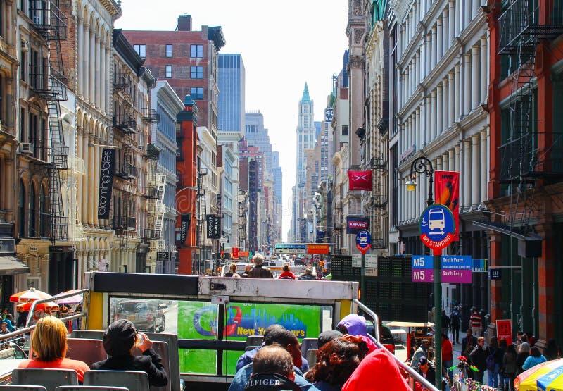 autobus wrócił na pokład otwarty zadaszał tour odgórnego widok zdjęcia stock