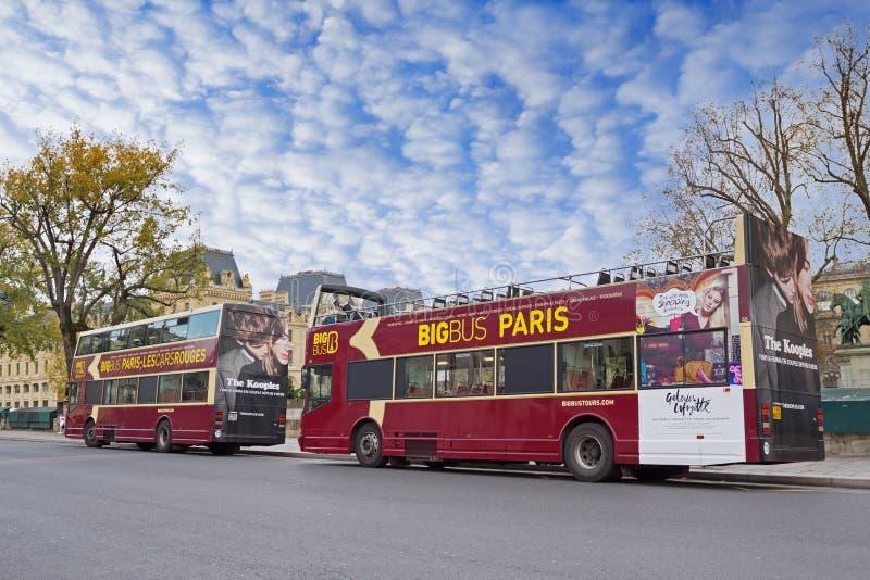 Autobuses turísticos de la excursión fotografía de archivo