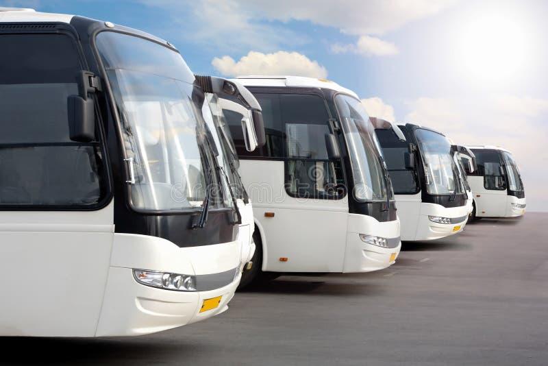 autobusy target3840_1_ turysty fotografia royalty free