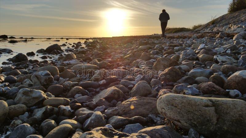 Autocamper en la playa foto de archivo