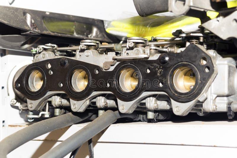 Autocarburator, zij de ontvangersclose-up van de motoropname royalty-vrije stock foto