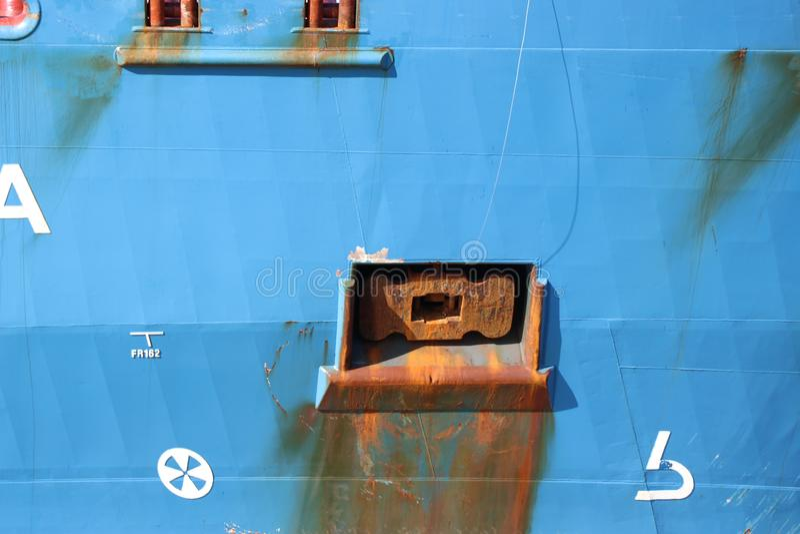 Autocisterna dell'oceano che naviga sul canale del welland fotografia stock