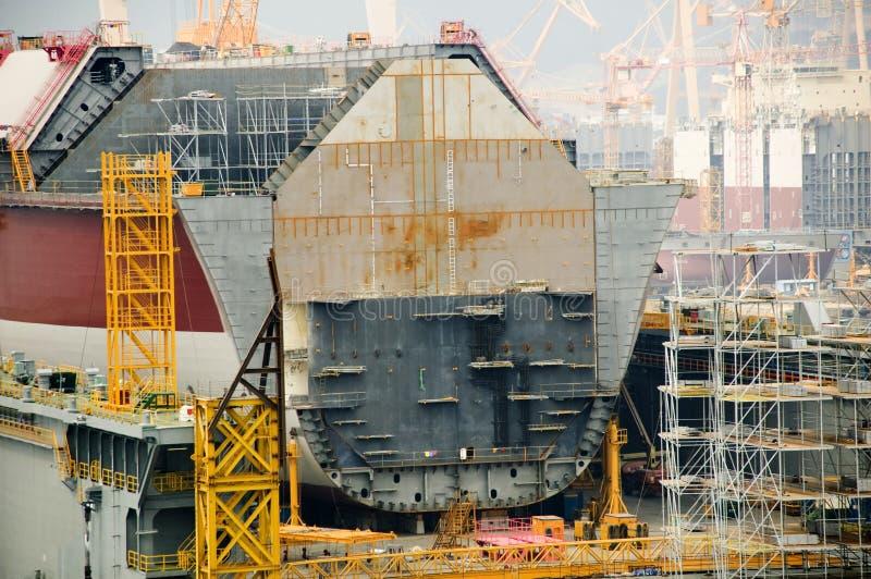 Autocisterna di LNG in cantiere navale fotografia stock libera da diritti