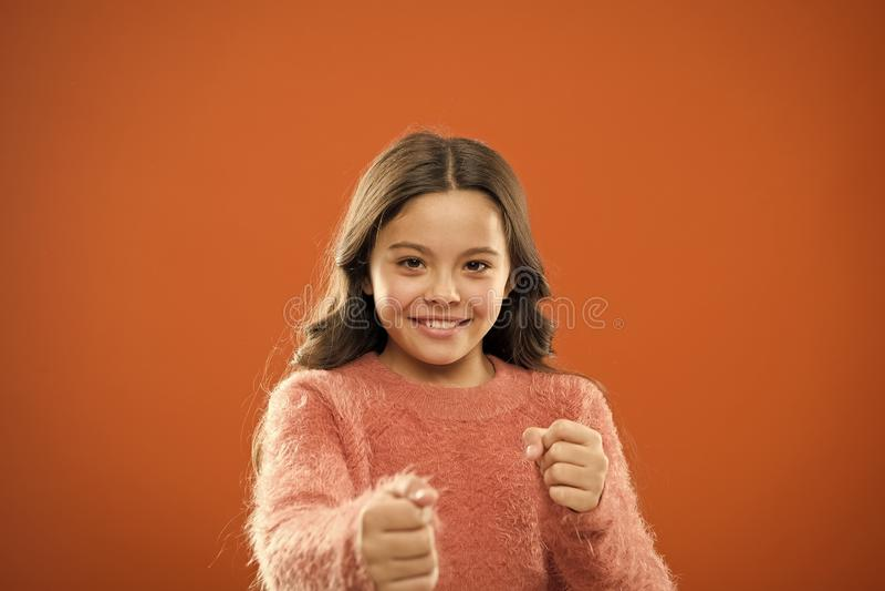 Autodifesa per i bambini Difenda l'innocenza Come insegni ai bambini a difendersi I bambini di strategie dell'autodifesa possono  fotografia stock
