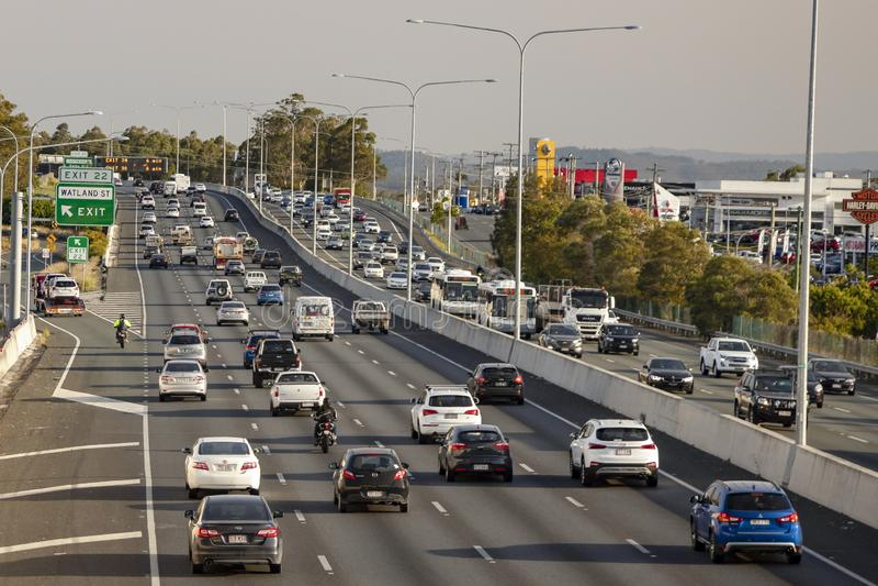 A autoestrada M1 tem plena capacidade, uma vez que a experiência do motorista atrasa o congestionamento na estrada mais movimenta imagens de stock royalty free