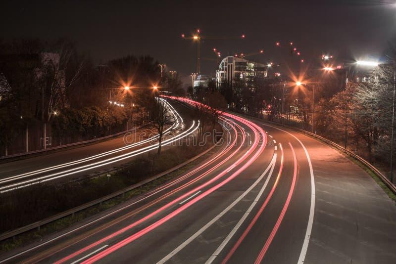 Autoestrada na noite fotos de stock