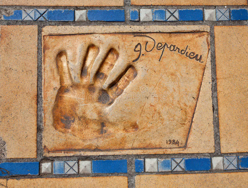 Autograf- och handtryck av Gerard Depardieu royaltyfria bilder