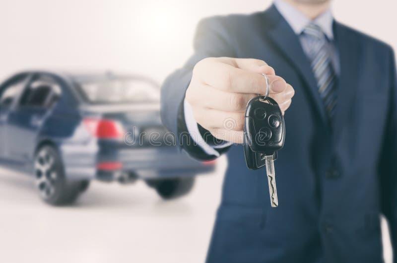 Autohuur of verkoopagent stock afbeeldingen