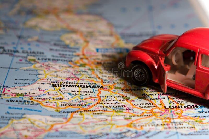 Automóvel no mapa imagem de stock