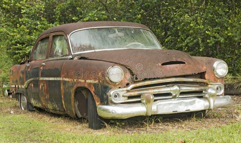 Automóvel oxidado velho imagem de stock royalty free