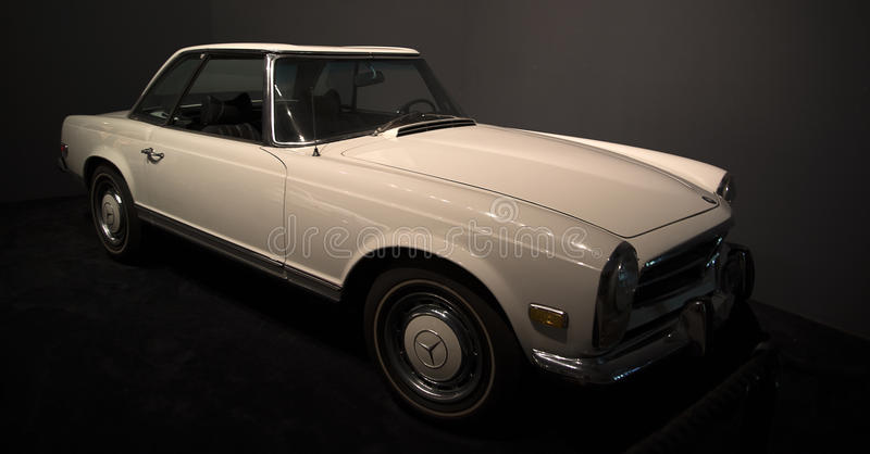 Automóvel usado por Elvis Presley em Graceland fotografia de stock royalty free