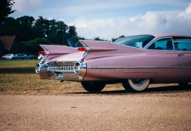 Automóvil clásico rosado fotografía de archivo libre de regalías