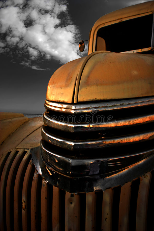 Automóvil descubierto de la vendimia foto de archivo