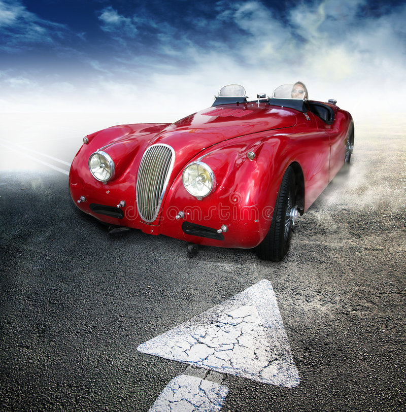 Automóvil descubierto de la vendimia imagen de archivo
