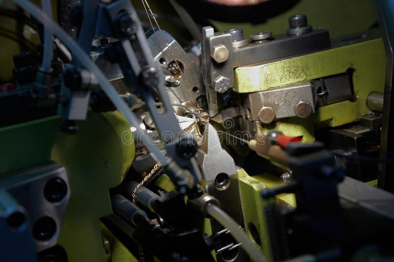 Download Automatic Chain-bending Machine Stock Photo - Image: 20698558