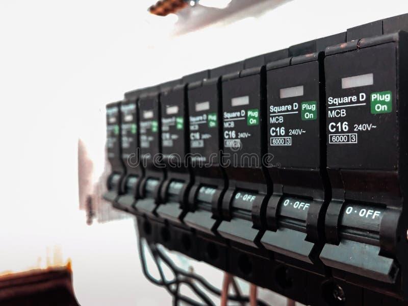 Automatische van de de stroomonderbrekercontrole van de elektriciteitsschakelaar het centrumdoos royalty-vrije stock fotografie