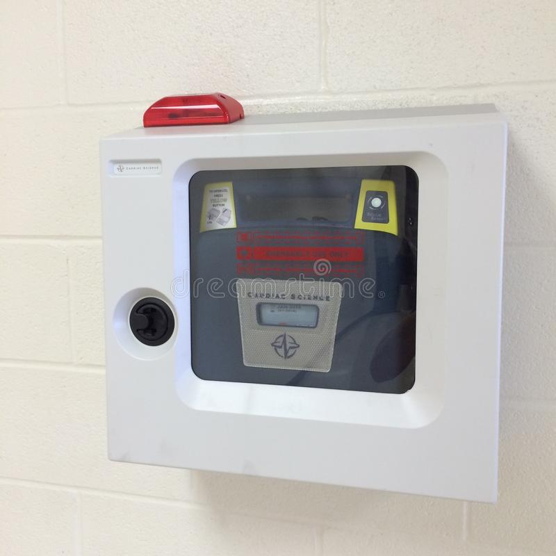 Automatiserad yttre defibrillator royaltyfria foton