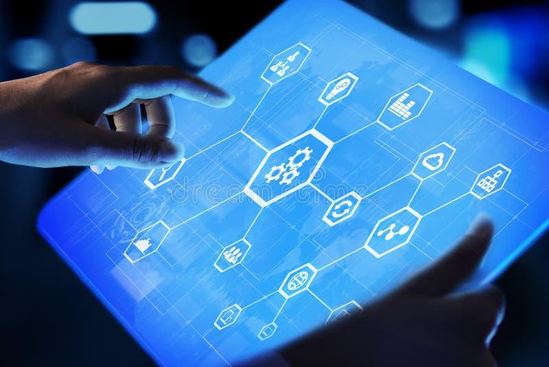 Automatisering van zaken en industrieel proces Slim fabriek en technologieinnovatieconcept op het virtuele scherm stock fotografie