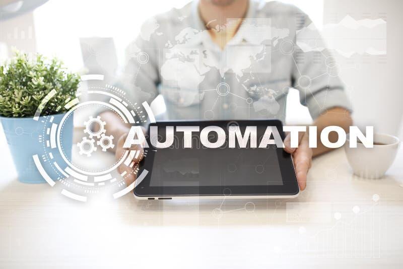 Automatiseringsconcept als innovatie, verbeterend productiviteit in technologie en bedrijfsprocessen stock foto's