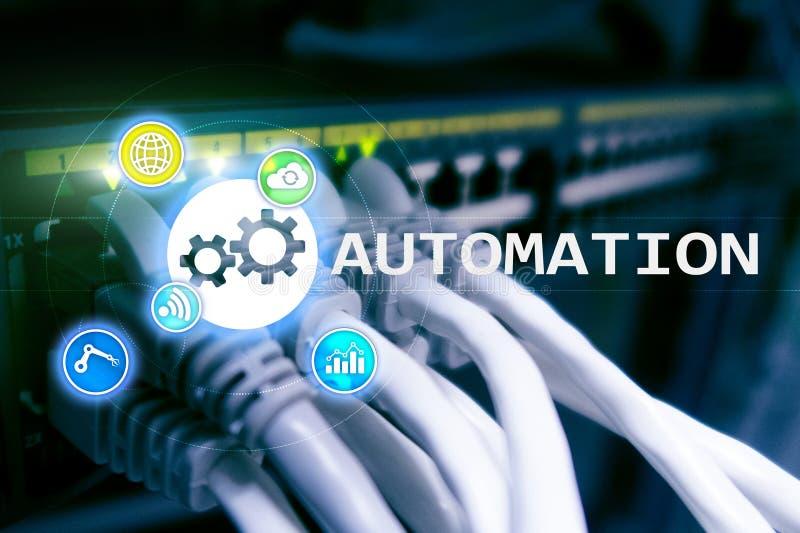 Automatisierung der Geschäftsprozess- und Innovationstechnologie in der Herstellung Internet und Technologiekonzept auf Serverrau lizenzfreie stockfotos