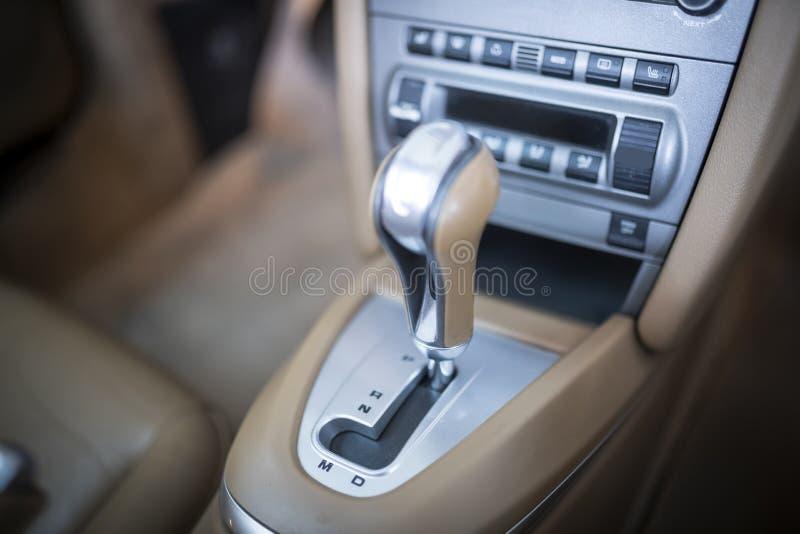 Automatisk gearshift royaltyfri fotografi