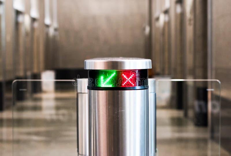 Automatisk säkerhetsnyckel och elektronisk kortläsare , selektivt arkivfoton