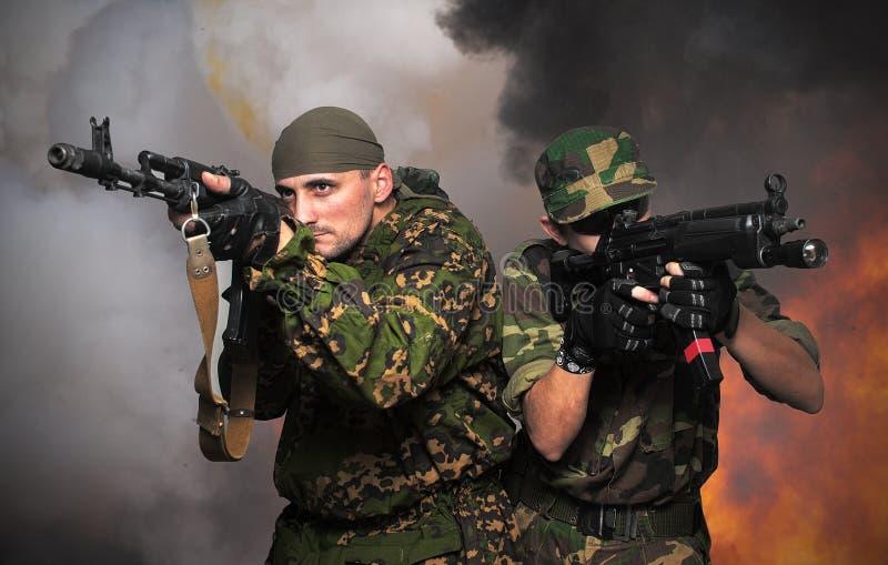 automatiska gevärsoldater för anfall royaltyfri fotografi