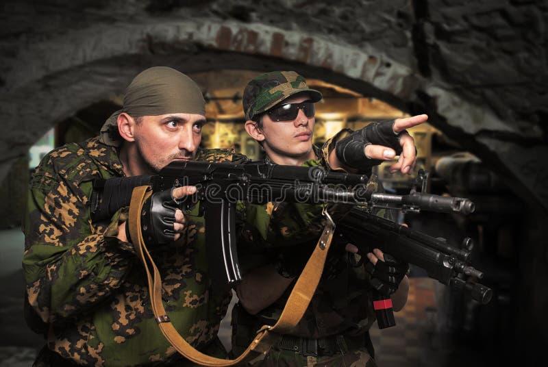automatiska gevärsoldater för anfall royaltyfri foto