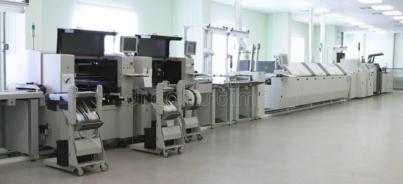 automatyczna linii komputerowej produkcji