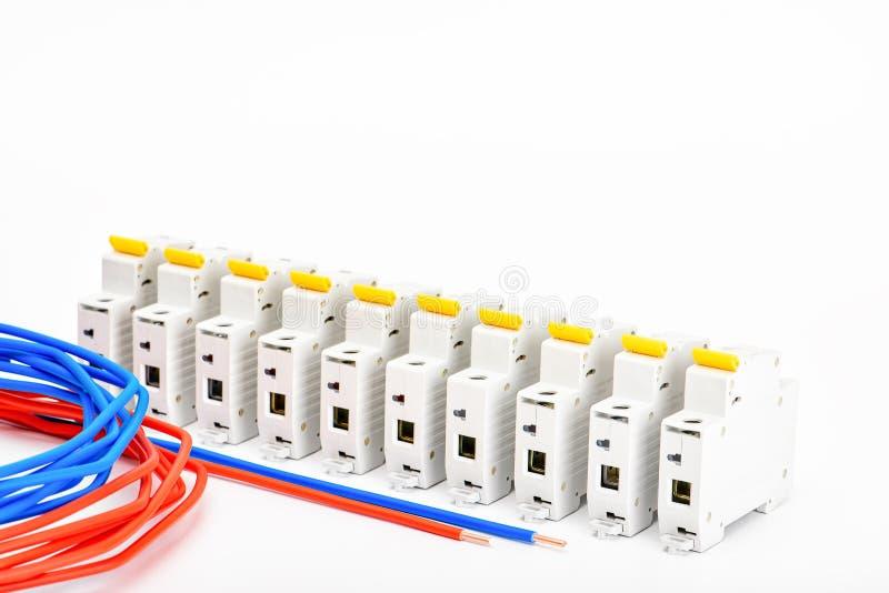 Automatyczni obwodów łamacze, groszaka sedna pojedynczy kabel Akcesoria dla bezpiecznej i bezpiecznie elektrycznej instalacji ele obrazy royalty free