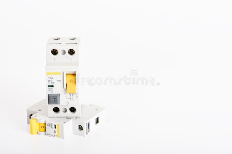 Automatyczni obwodów łamacze, groszaka sedna pojedynczy kabel Akcesoria dla bezpiecznej i bezpiecznie elektrycznej instalacji ele zdjęcie royalty free