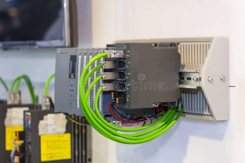 Automatyczny Programmable logika kontrolera PLC dużej precyzji wyposażenie dla przemysłowego obrazy stock