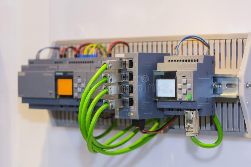 Automatyczny Programmable logika kontrolera PLC dużej precyzji wyposażenie dla przemysłowego fotografia royalty free