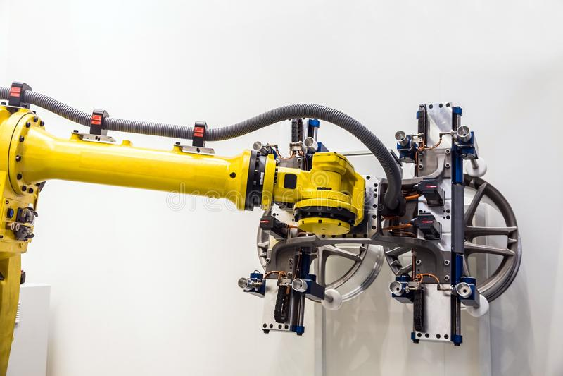 Automatyczny Przemysłowy robot zdjęcia royalty free