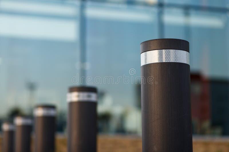 Automatyzujący cylindryczny blokada na drodze zdjęcia stock