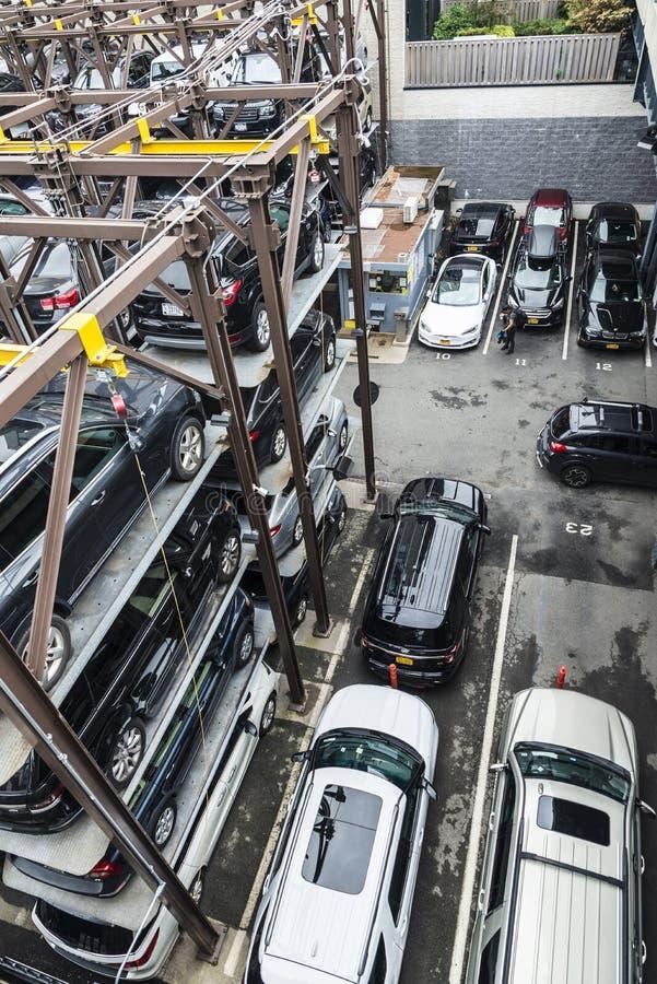 Automatyzujący samochodowy parking system w Miasto Nowy Jork, usa fotografia stock