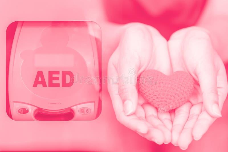 Automatyzujący zewnętrznie defibrillator AED obrazy stock