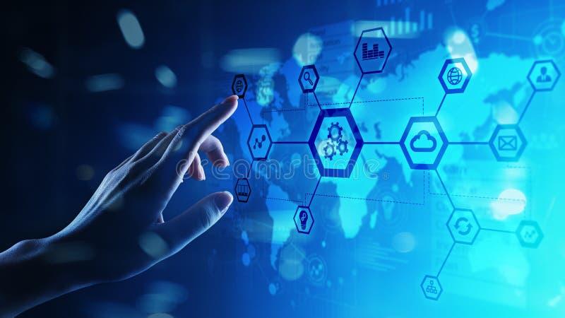 Automazione ed industria astuta 4 0, Internet delle cose, IOT, ingranaggi e struttura di sistema sullo schermo virtuale immagini stock libere da diritti