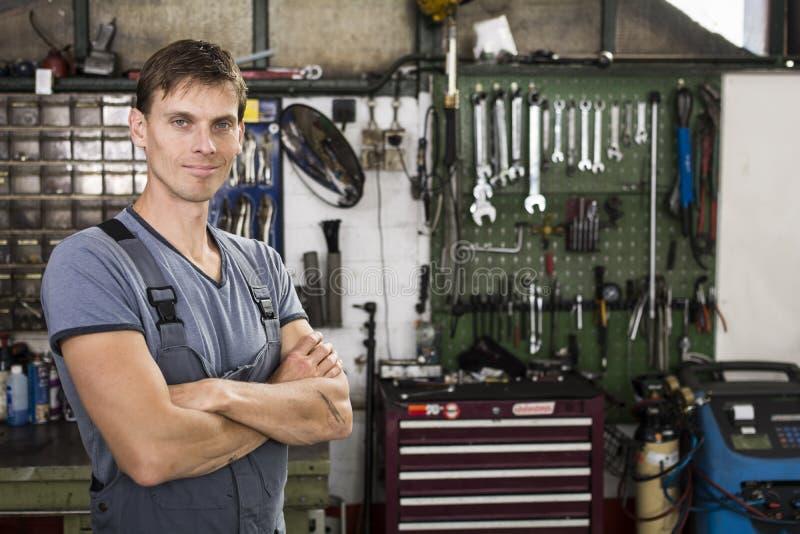 Automechaniker lizenzfreie stockbilder