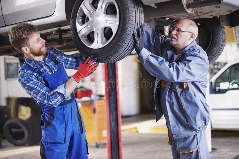 Automechaniker lizenzfreies stockbild