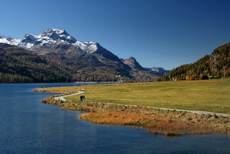 Automne augmentant dans les Alpes image libre de droits