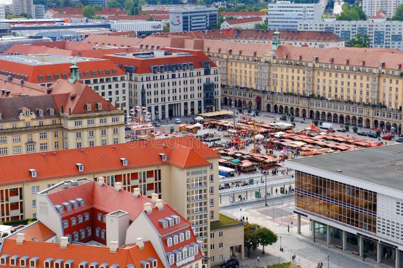 Automne d'Altmarkt juste à Dresde photographie stock libre de droits