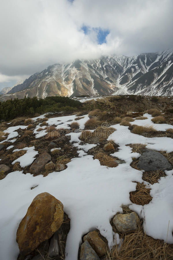 Automne de kurobe alpin dans tateyama Japon photographie stock